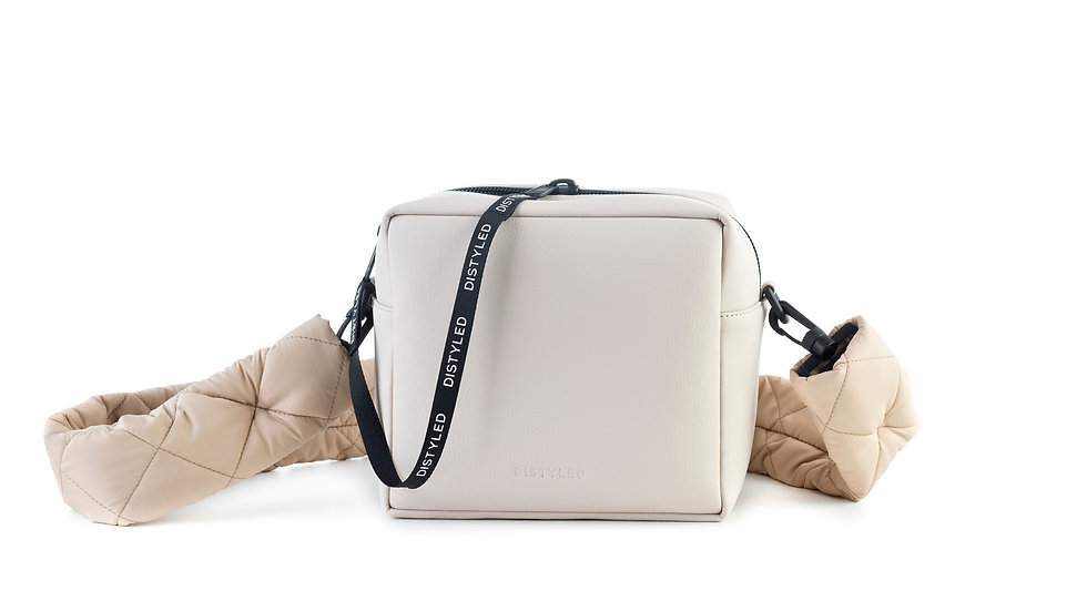 Box bag, big /  quilted strap white beige Distyled