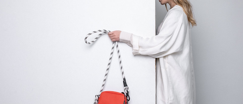 Leather camera bag, small / climbing rope