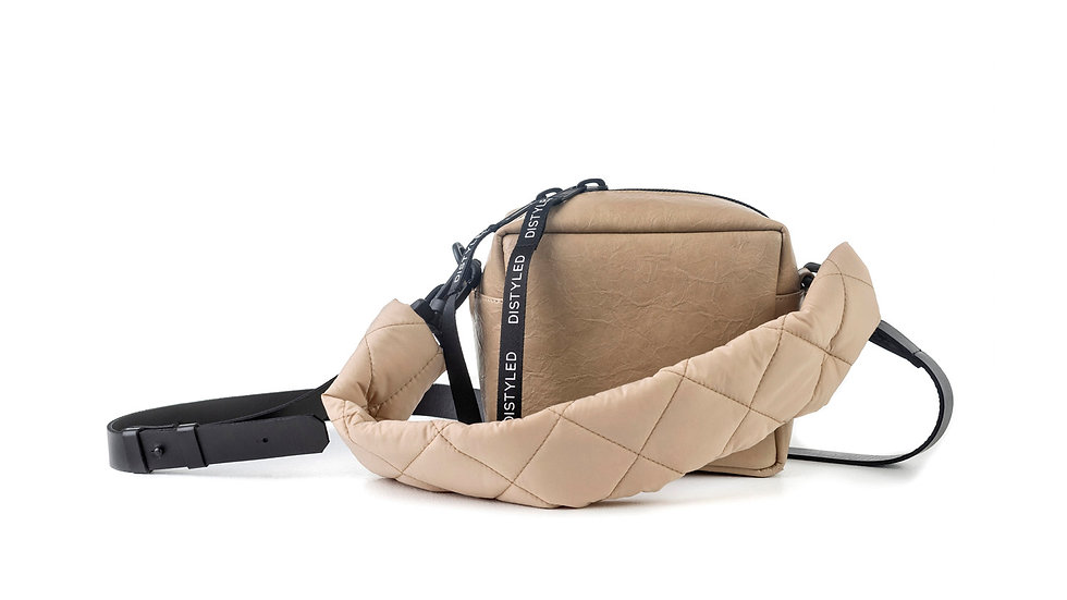 Box bag, small / quilted strap / flat strap ligt brown Distyled
