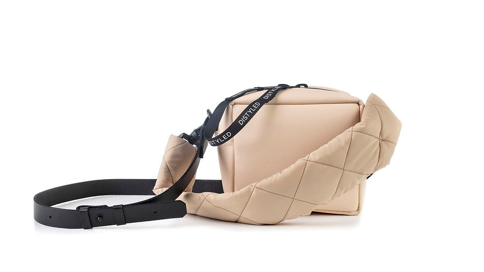 Box bag, small / quilted strap / flat strap