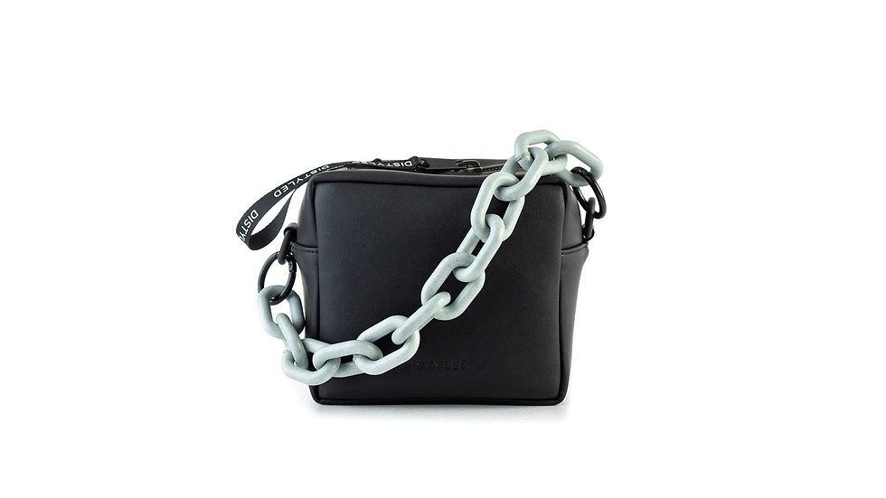 Box bag, small / recycled chain