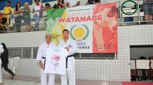 Campeão mundial de karatê comanda treino em Feira