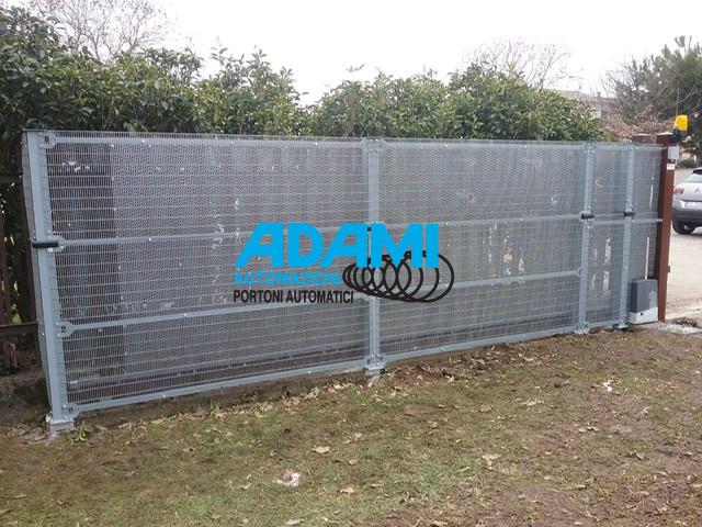 #Separare! Ecco un esempio per mettere in sicurezza il cancello.