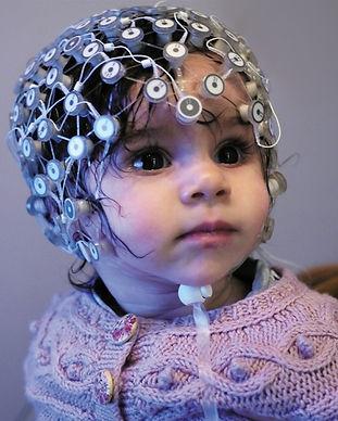 Tabitha_babylab_EEG_headnet.jpg