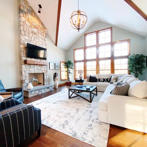 Long Residence livingroom & windows