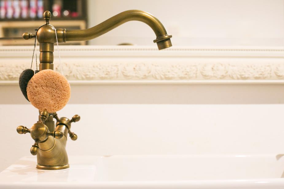 brass-bathroom-tap_925x