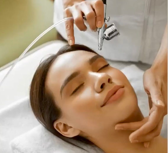 Pure Oxygen Infusion™ with Light Therapy