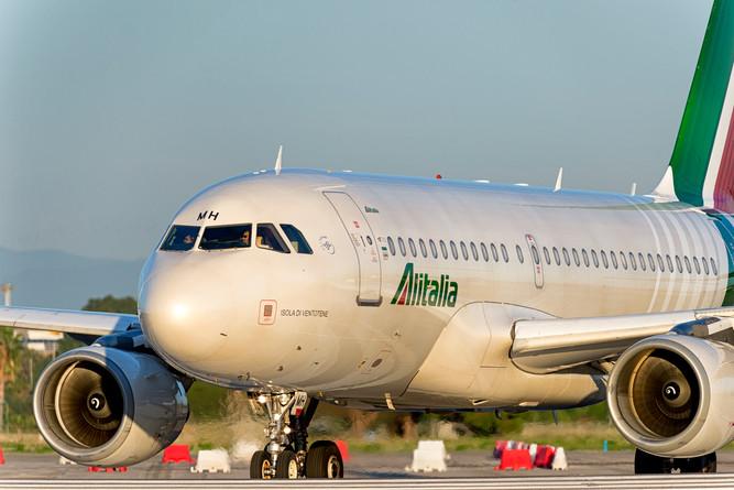 Face to Face Alitalia A319