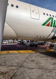 Alitalia A330