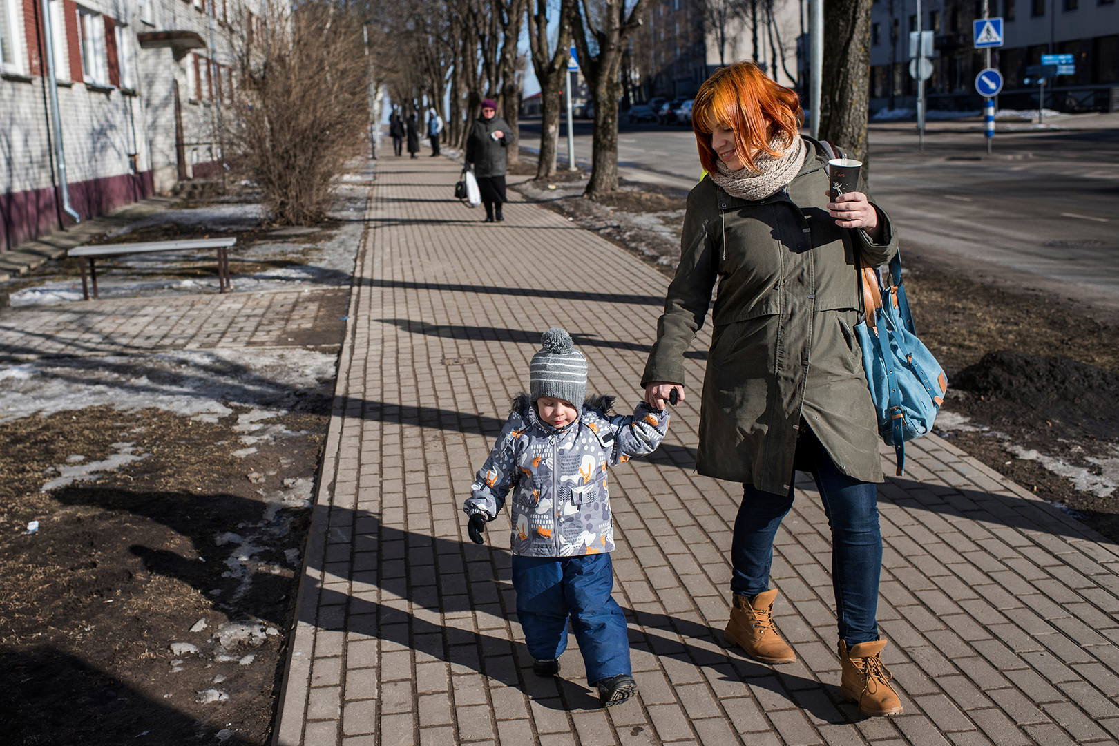 "Xenia Solodski (29 years old) and her son Tigran (3 years). Xenia Solodski is Russian-Estonian and does not like talking about Russia when she is at family celebrations. ""what's happening in Russia is not good . Something is not all right now, ""she says."" And it's hard because I feel Russian because of my native language. My whole family is pro-Putin. I can really understand them, because Putin is security, he is stability. But I'm afraid what he can mean for our future here. """" Honestly, ""she says,"" I'm afraid. The Estonians are also afraid. We as a country are in a very difficult situation, especially if it escalates. It is very difficult. I have nothing against Estonians and I understand why we are different. As a Russian, you can feel the pressure to speak pro-Russian all the time, but I live in Estonia, and I understand Estonia's right to and need to be independent. """" I really do not want what happened in Donbass , happens here."