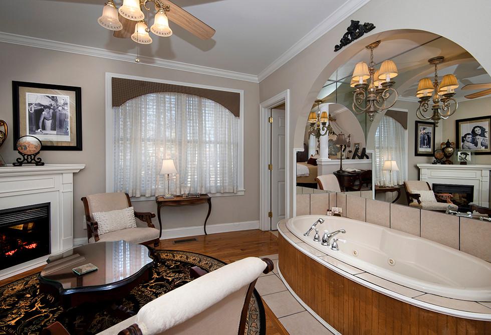 The Majestic Spa Suite