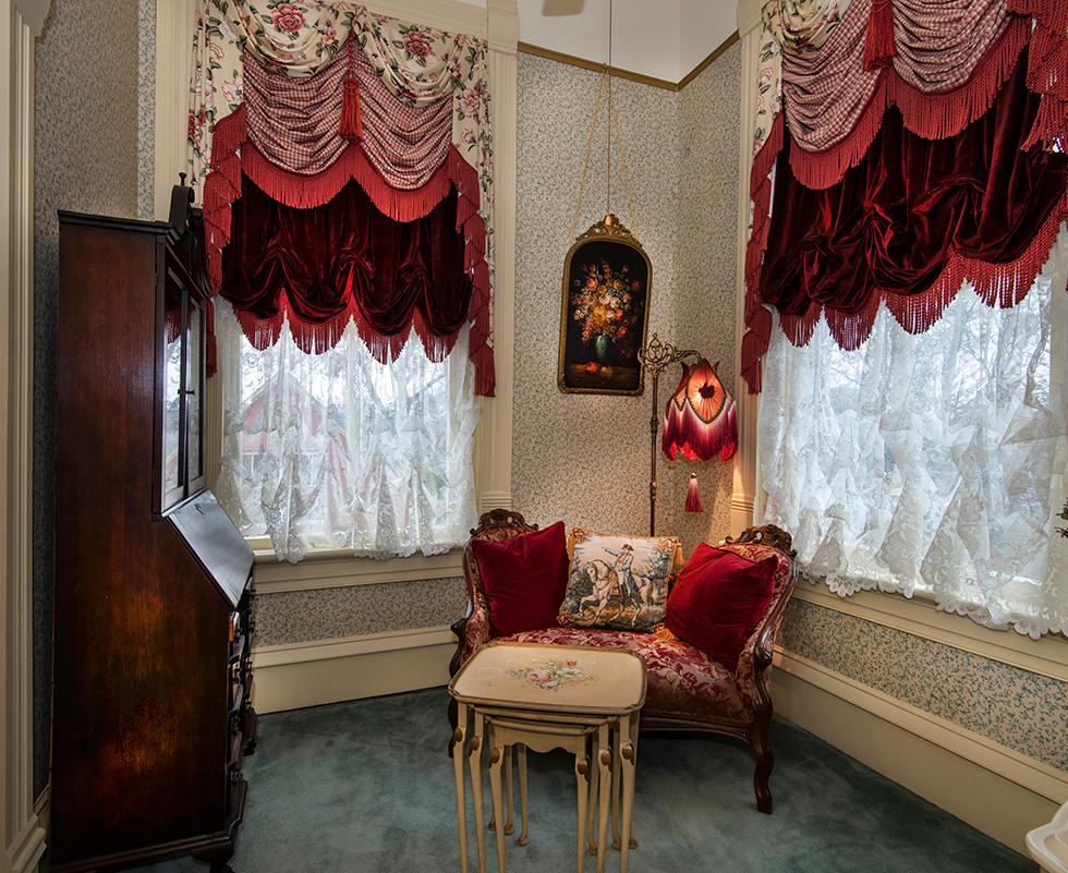 Chatelaine Anniversary Suite