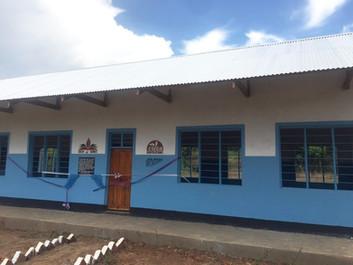 カブラ村小学校 4教室完成のご報告