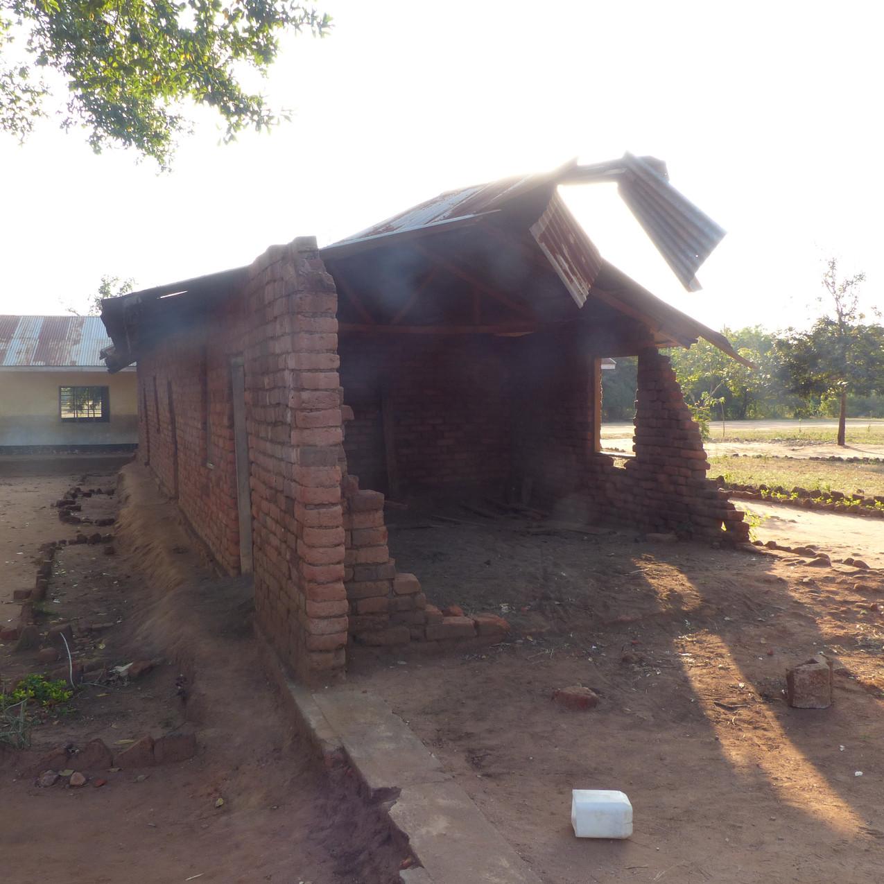 初回訪問時の崩壊した教室