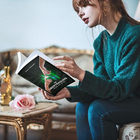 mulher-lendo-livro-do-mark.jpg