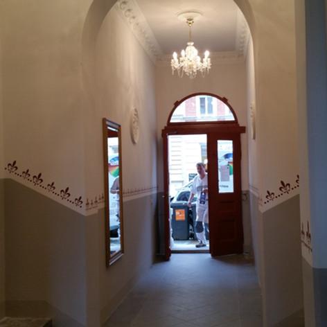 Schabloniertechnik Treppenhaus