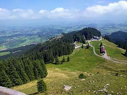 Blick_auf_Sportheim_Böck,_Alpspitze,_24.08.19.jpg