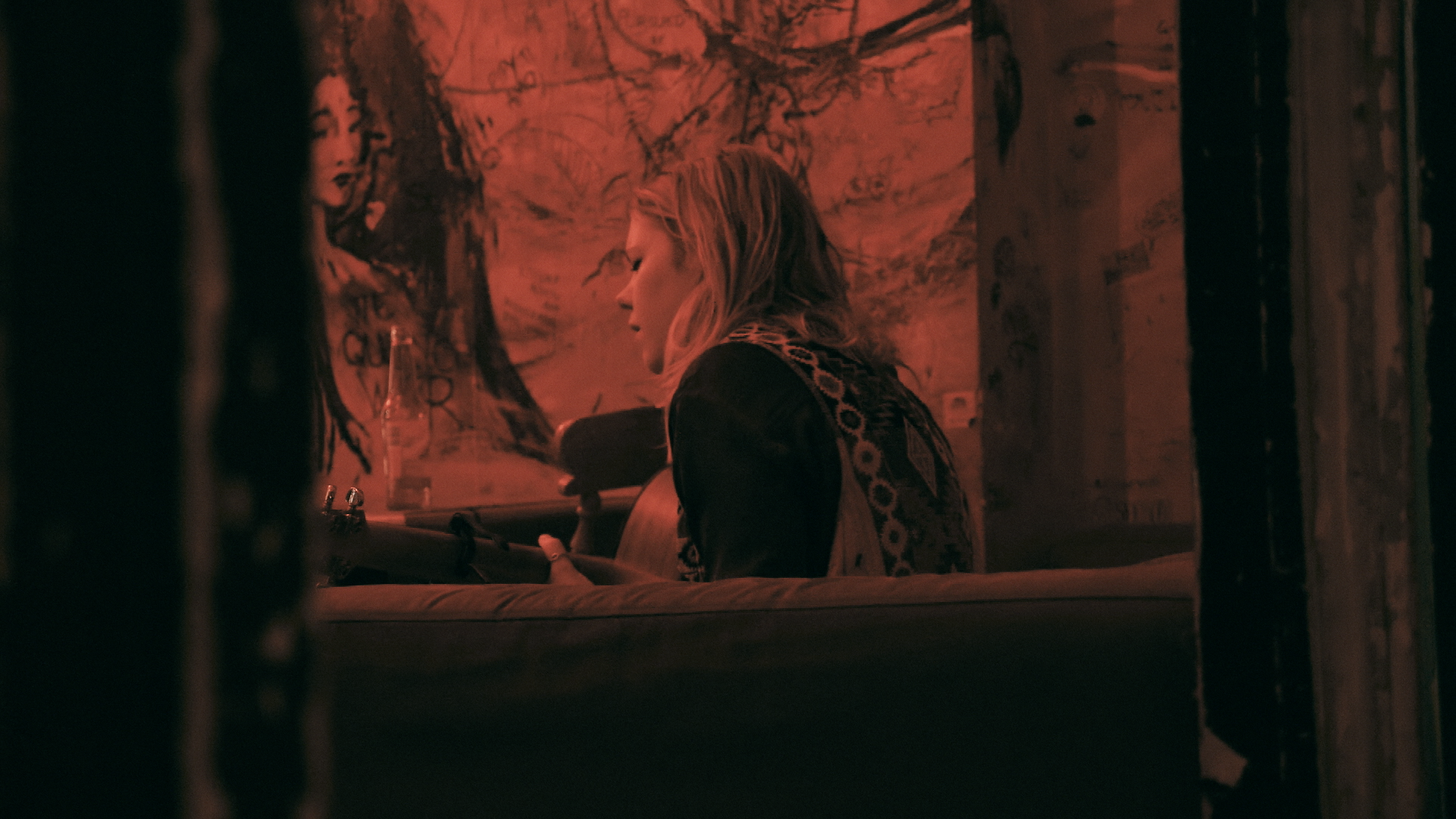 HDITS stills_amy & The Calamities 3.png