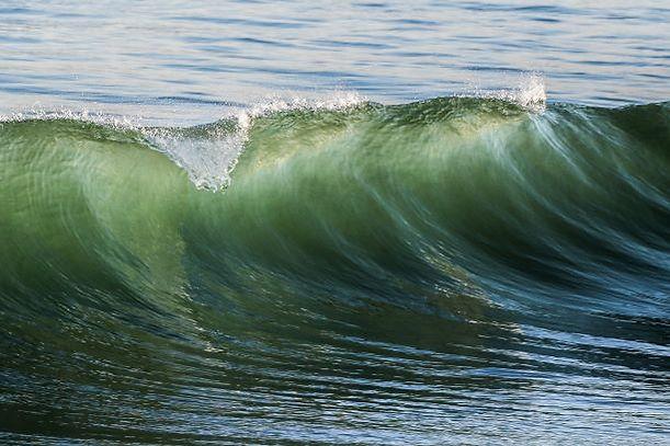 Surfing waves to help addictive behaviour