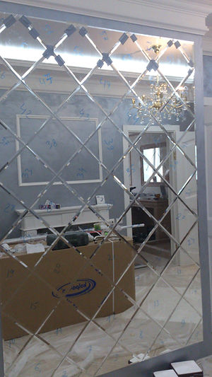 Вариант установки зекального панно №2 в квартире