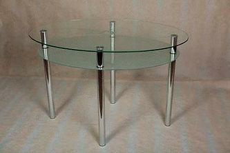 Стол стеклянный с металлическими ножками, стекло триплекс