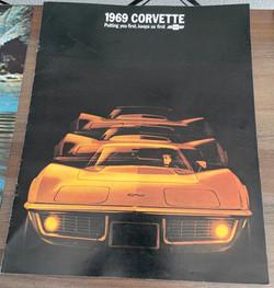 06_corvette_1969_dealer_brochure