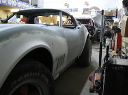 091_corvette_1969_assembling