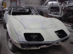 104_corvette_1969_assembling