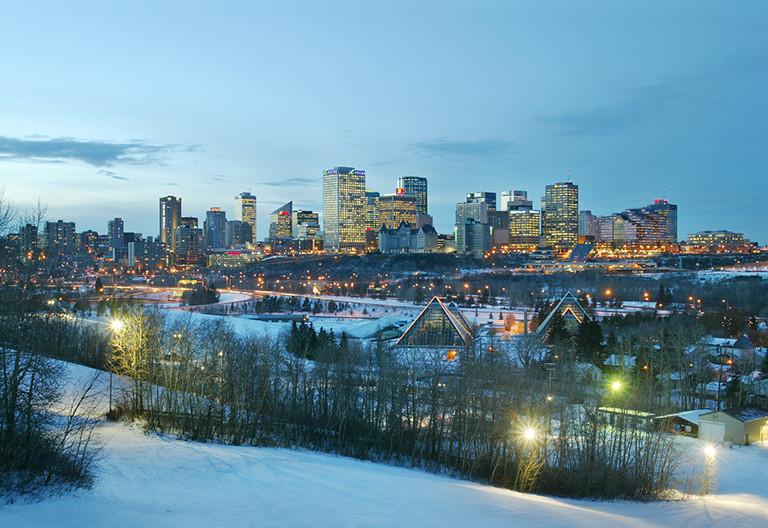 Die Skyline von Edmonton im Winter
