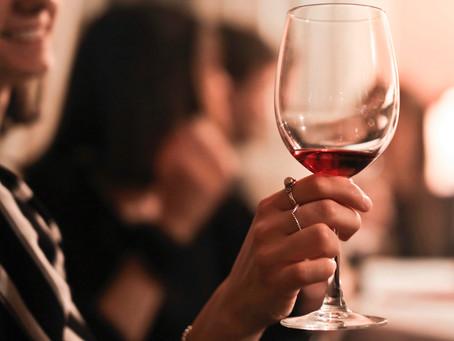 Taninos, suaves e ácidos: entendendo os elementos da degustação de vinhos
