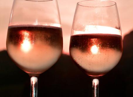 Vinhos brancos e rosés: uma opção refrescante para o verão