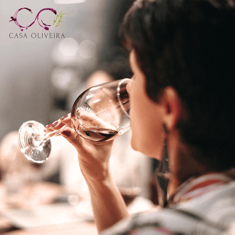 Casa Oliveira Importadora e distribuidora de vinhos Português