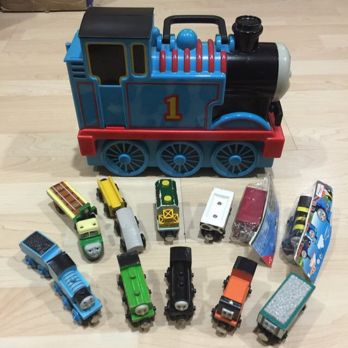 Free Delivery: Bundle Thomas Trains & Carry Case