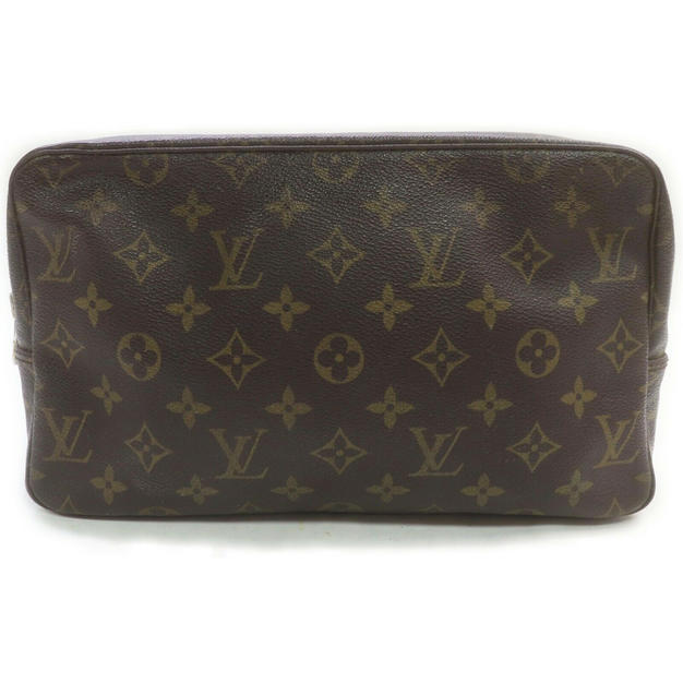 LOUIS VUITTON TROUSSE TOILETTE FRA 3100KR