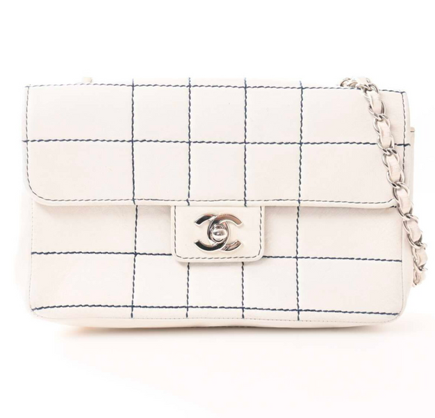CHANEL FLAP BAG WHITE NAVY STITCH - 25.300KR