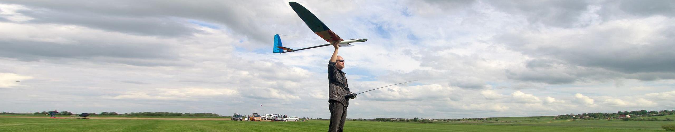 גבר מטיס טיסן דאון חשמלי