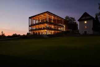 Fahrni Partner Architekten — Golfpark Migros Holzhäusern