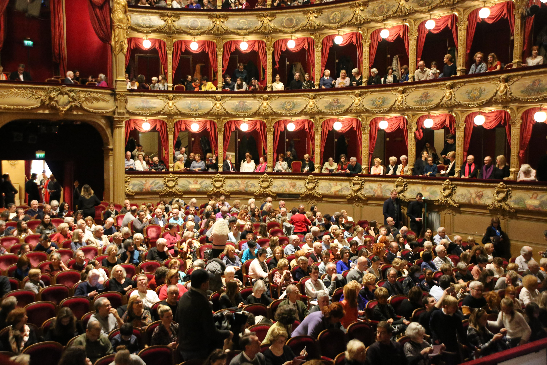 L'Opéra est toujours aussi comble