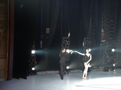 Le chef remercie les danseurs