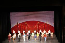 Le ballet, les solistes, le pianiste et le chef