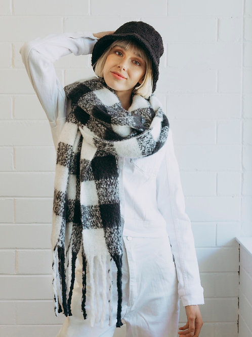 Fluffy Checked Scarf