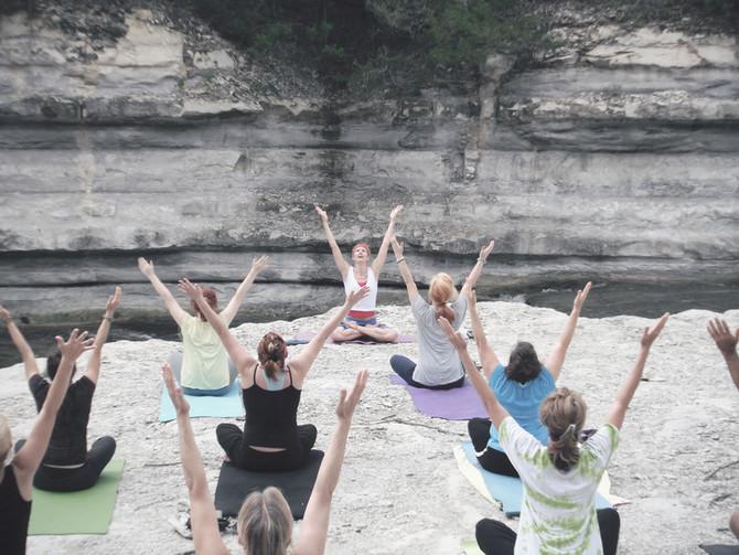 Sveriges första poänggivande universitetsutbilning om Yoga!