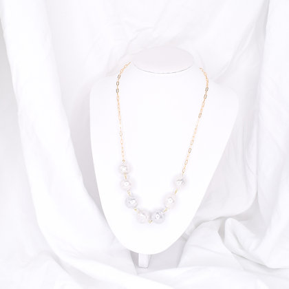 Chunky Pearl Statement
