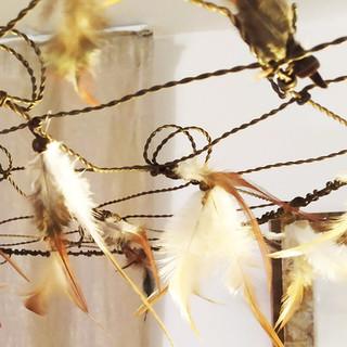 Tinnit lustre plumes beige 1.jpg