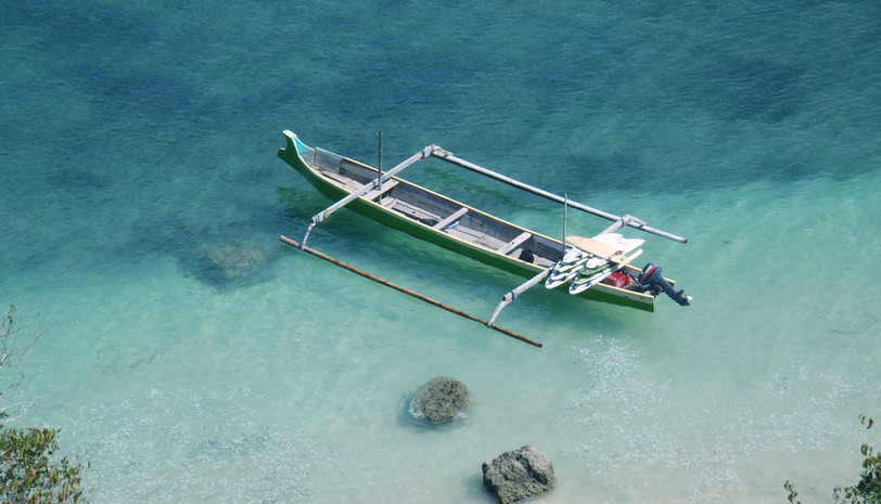 outrigger boat