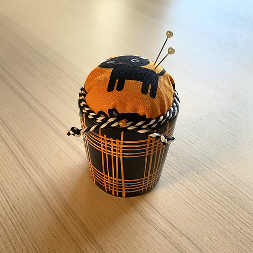 elly grey black Cat pin cushion, upcycled gift, sewing gift, Halloween