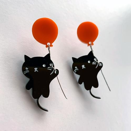 super good! Kitty Balloon earrings, black cats