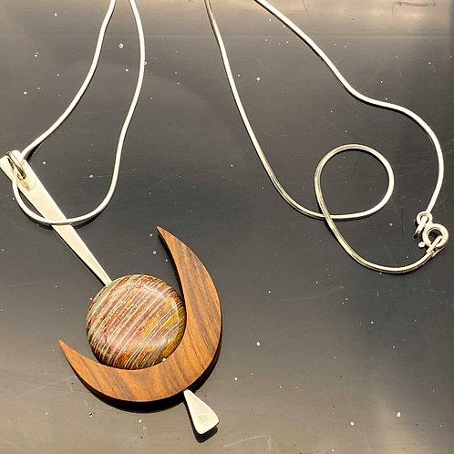 Kepiaa Moon Necklace