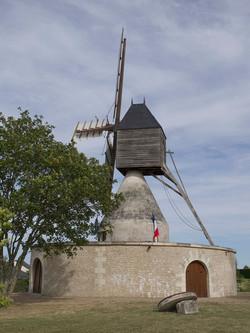 Moulin_Aigremonts_coté