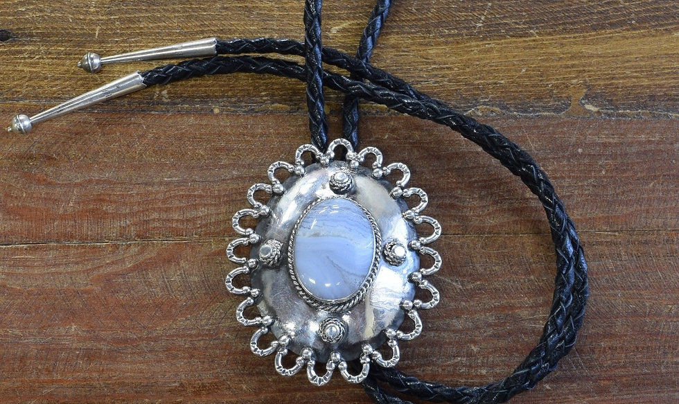 Vintage Southwestern Sterling Silver Lace Agate Bolo Tie